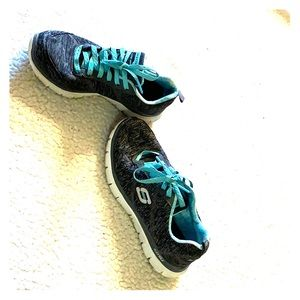 Sketchers gym shoes